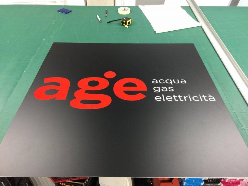 Targhetta Age